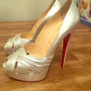 Christian louboutin size 38 is (7.5)